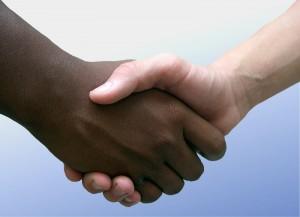worte-im-wechse-shaking-hands
